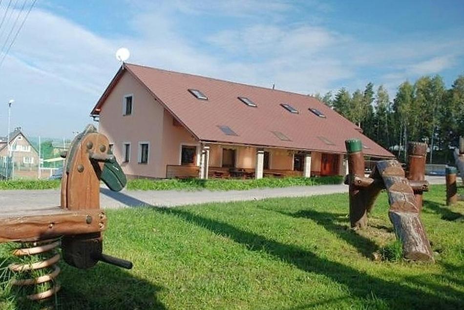 Vysoké nad Jizerou - Bozkov - chata k pronájmu